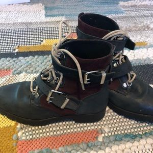 Leather & suede ankle boots w/ straps black size 7